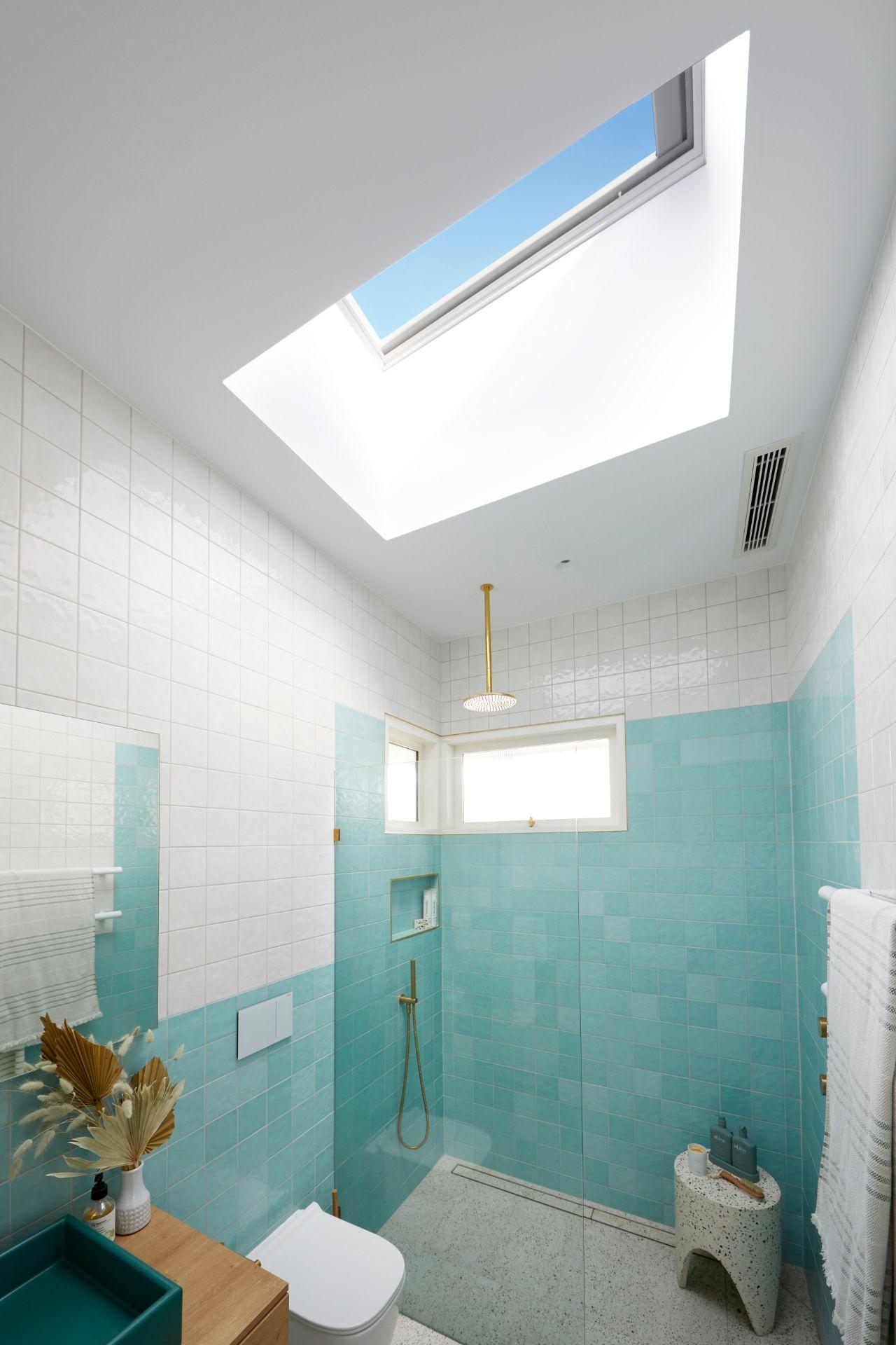 RM2 Bathroom Jimmy & Tam-101