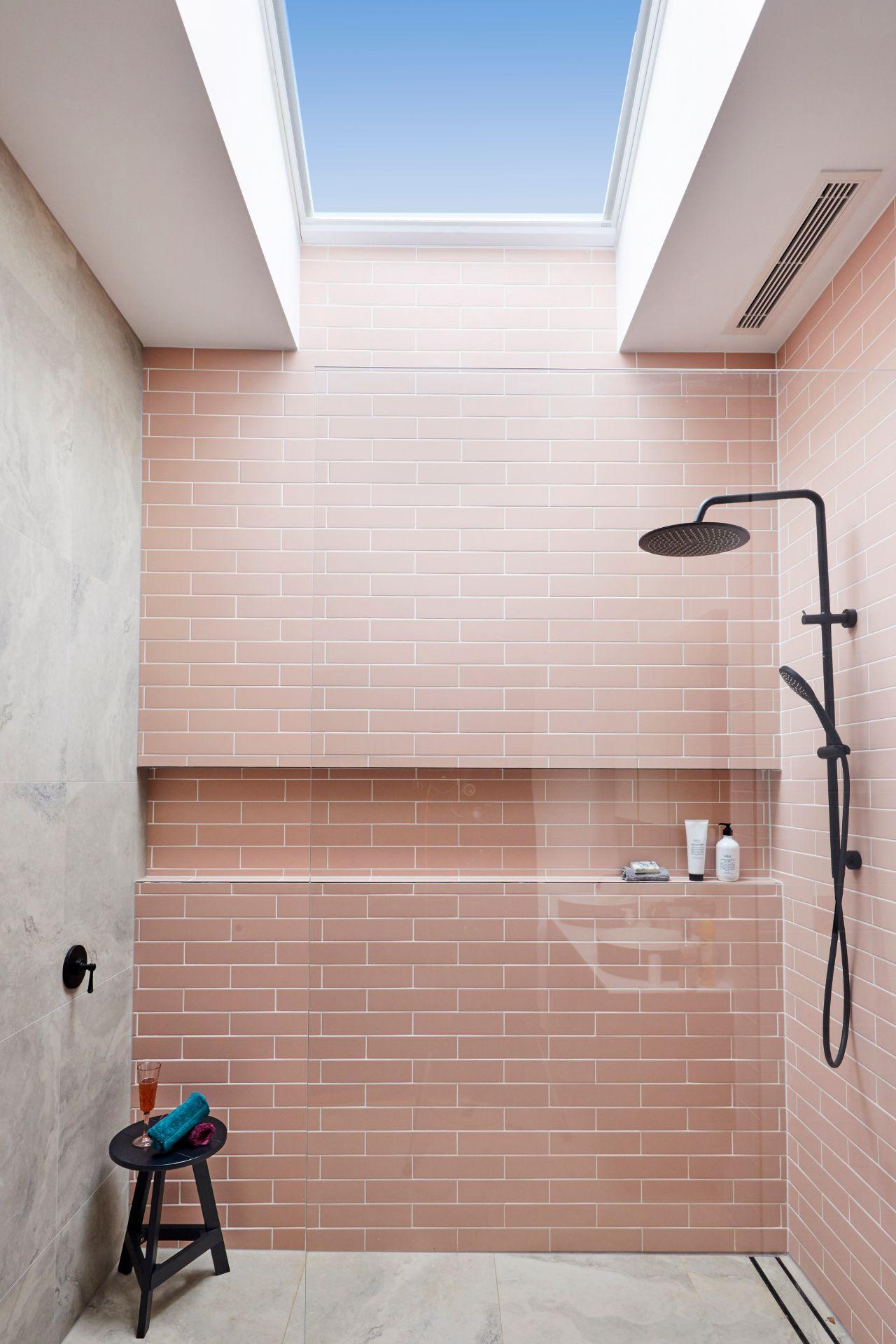 RM2 Bathroom Sarah & George-101