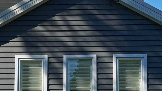 Australian Hamptons by uptop carpentry James Hardie Linea Weatherboards
