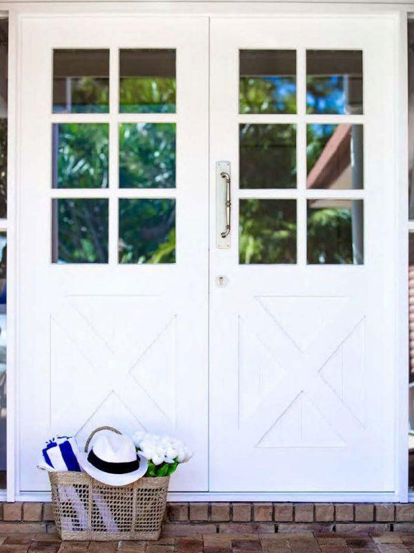 Hamptons-French-doors